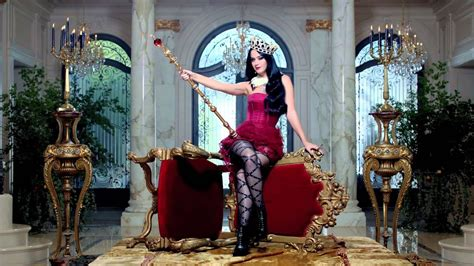 Katy Perry Killer Queen Fragrance 15 sec ad - Holidays
