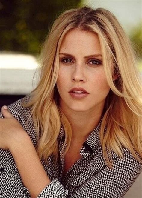 Poze Claire Holt - Actor - Poza 5 din 62 - CineMagia